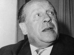 Оскар Шиндлер, спасший во время войны 1200 евреев, умер в нищете, страдая алкоголизмом