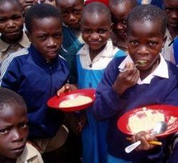 ООН собирает деньги на школьные обеды для 59 млн хронически недоедающих детей