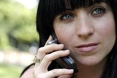 Министр здравоохранения Франции Франсуаз Буден призвала к умеренному использованию мобильных телефонов