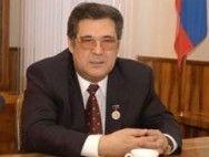 Аман Тулеев требует от Геннадия Зюганова 1 млн рублей за моральный вред