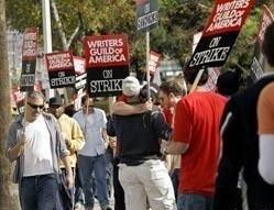 Американские сценаристы прекратили забастовку