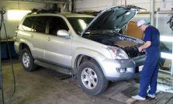 Машина в автосервисе - требуйте замену сломавшемуся авто