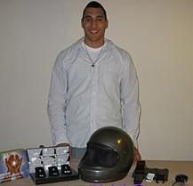 Шлем с GPS самостоятельно вызовет помощь после аварии