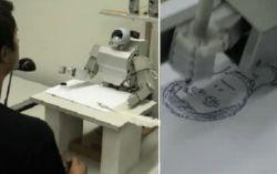 Робот-художник, который определяет основные пропорции лица (видео)