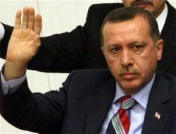 Турецкие СМИ обвиняют премьера Тайипа Эрдогана в нарушении принципов демократии