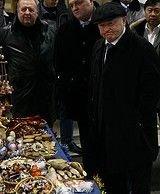 Юрий Лужков предложил не продавать в Москве продукты, содержащие ГМО
