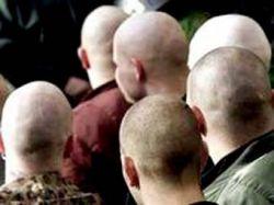 В центре Москвы антифашисты жестоко избили скинхеда