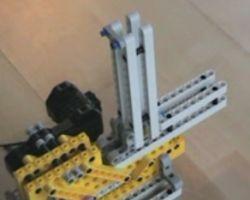 Опасное оружие из конструктора Lego (видео)