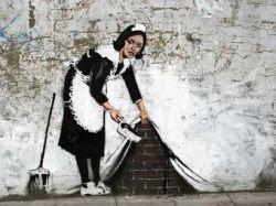 Уничтоженное граффити Бэнкси вернулось на стену арт-центра
