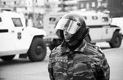 Центр Москвы наводнен омоновцами и солдатами