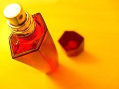 Почему на парфюмерном рынке столько подделок и как их избежать?