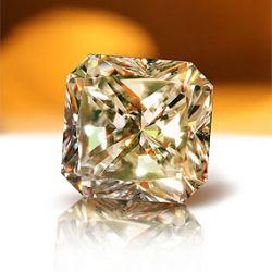 «Кристалл» представил самый дорогой бриллиант в России