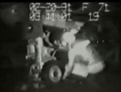 Человека засосало в турбину самолёта (видео)