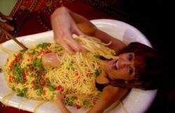 Итальянская паста борется против анорексии (фото)