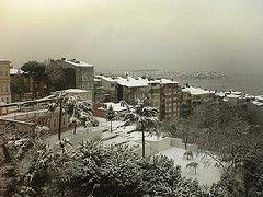 Сильные снегопады парализовали жизнь части Турции