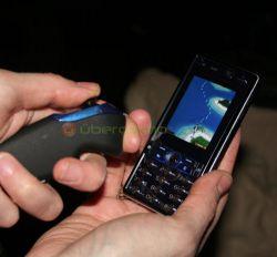 Bluetooth-контроллер для мобильных игр от Zeemote