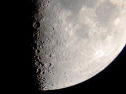 НАСА собирается развернуть мобильную сеть на Луне