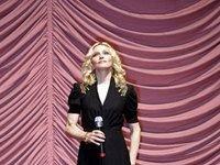 """Мадонна спустит свою \""""Грязь и мудрость\"""" в Интернет"""