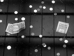 Lehman рекомендует избавляться от долларов и покупать иены