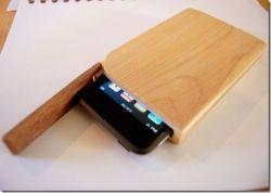 "Деревяный \""макинтош\"" для iPod"