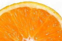 Заключенных в Голландии опрыскали апельсинами ради эксперимента