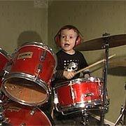 4-летний барабанщик – новая звезда Швеции (видео)
