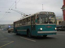 Общественный транспорт Петербурга переведут на повременную оплату