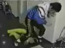 Тренер избил своего подопечного (видео)