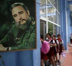 Отошедший от дел Фидель Кастро вернулся с критикой США и ЕС