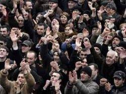 Президент Армении уволил четырех дипломатов за поддержку оппозиции