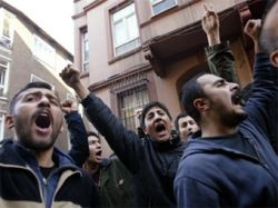 Курдский лидер призвал к восстанию в Турции