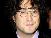 Сын Джона Леннона пишет музыку для фильма о Гамлете и вампирах