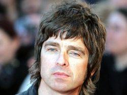 Гитарист группы Oasis не захотел жить рядом с поп-звездой