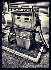 Цены на бензин в Италии превысили исторический максимум