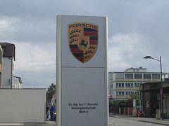 Porsche приостановил производство автомобилей на заводе в Германии из-за взрыва