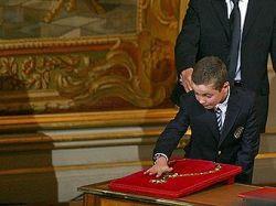 Угрожавший сыну Николя Саркози телефонный хулиган осужден