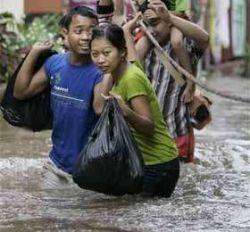 Наводнения в Перу оставили без крова 80 тысяч человек