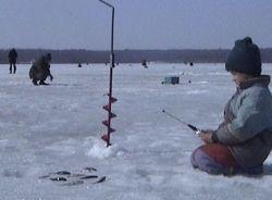 В Ростовской области под лед провалилось 37 рыбаков