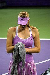 Мария Шарапова снялась с турнира в Дубае из-за болезни