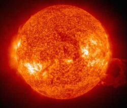 Земля будет поглощена Солнцем через 7,6 млрд лет