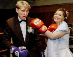 Подборка необычных свадебных танцев (видео)