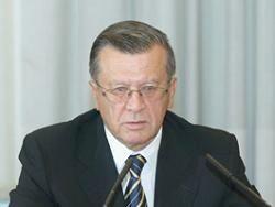 Премьер Виктор Зубков раскритиковал Минфин за стратегию страхования
