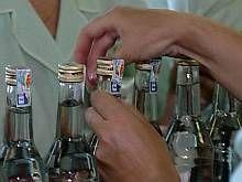 Налоговики предложили снизить акциз на спирт