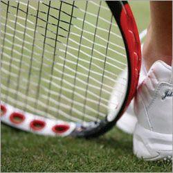 Armani разрабатывает дизайн теннисных ракеток