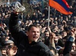 Власти Армении решили прекратить митинг оппозиции в центре Еревана