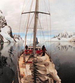 Российские полярники покидают Антарктиду