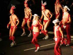 На юбилейный гей-парад в Сиднее собрались 350 тысяч человек