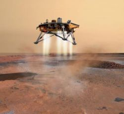 За посадкой марсианского аппарата Phoenix Lander будут наблюдать 3 спутника