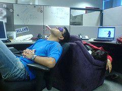 Американцы спят на рабочем месте