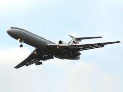 В Луганске самолет чуть не улетел, забыв пассажиров в аэропорту
